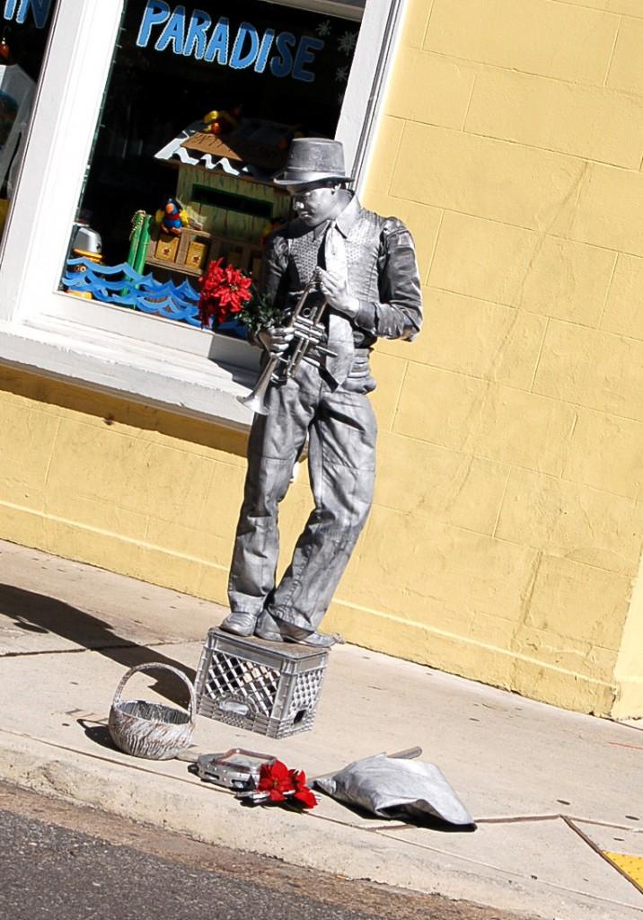 Live statue street artist in New Orleans, LA