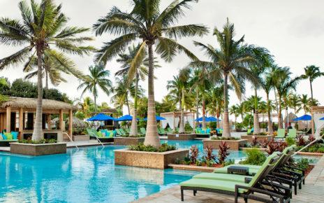 The Aruba Marriott pool
