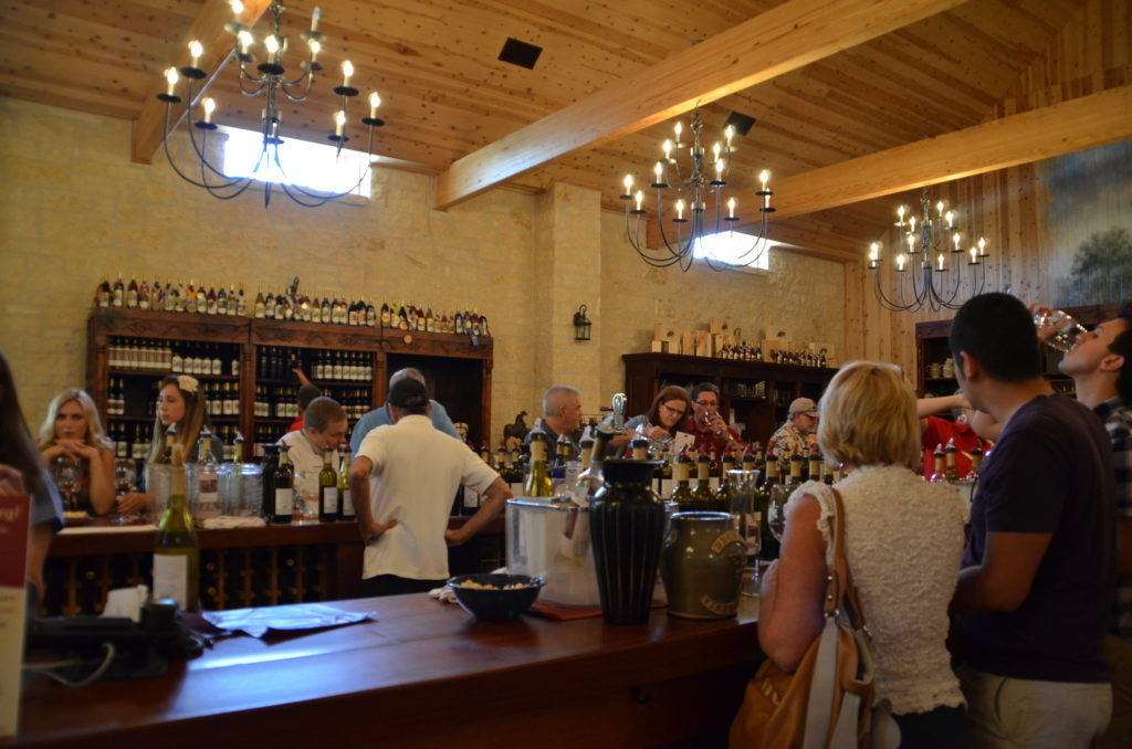 Becker Vineyards tasting room