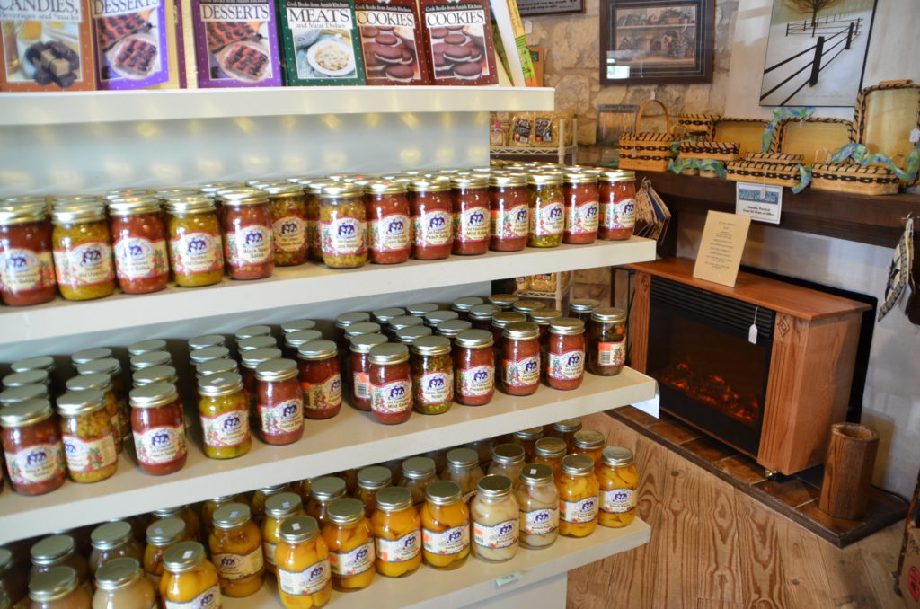 Amish market in Fredericksburg