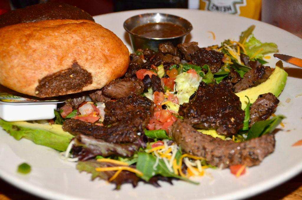Fajita salad at Fredericksburg Brewery