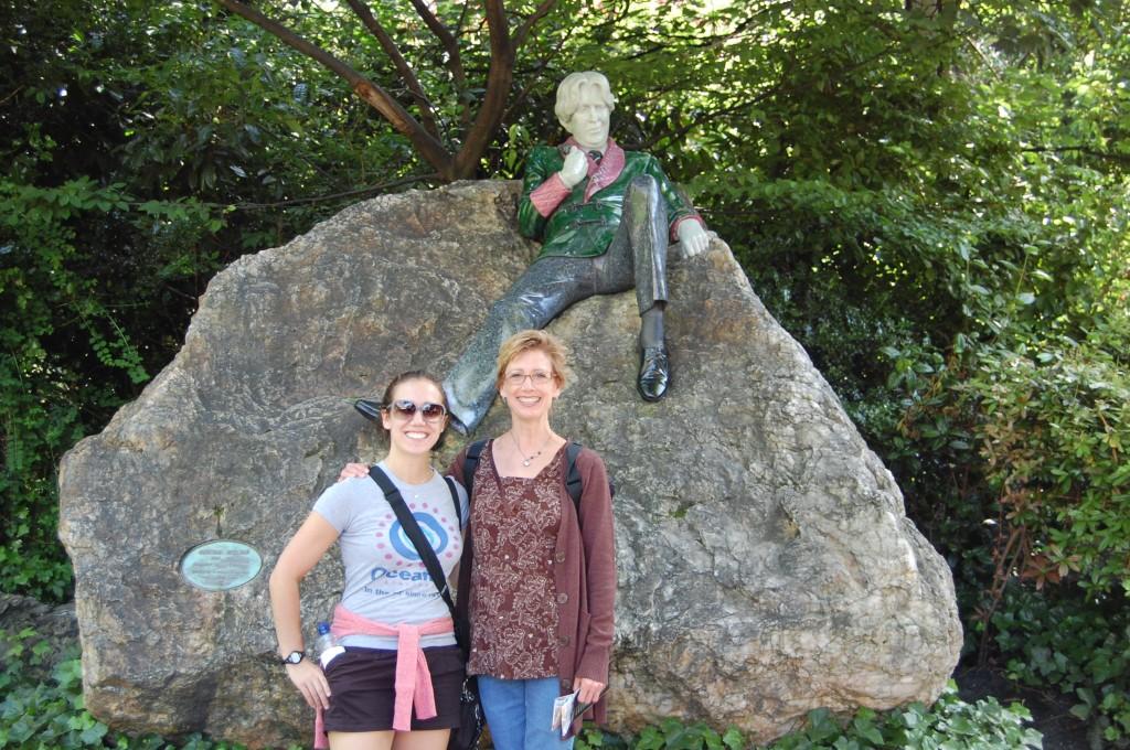 Wilde statue in Dublin