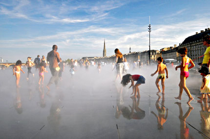 Water Mirror in Bordeaux CIty